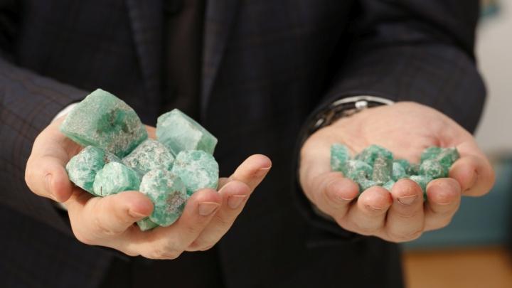 Свердловская шахта выставила на продажу 40 килограммов изумрудов за миллион долларов
