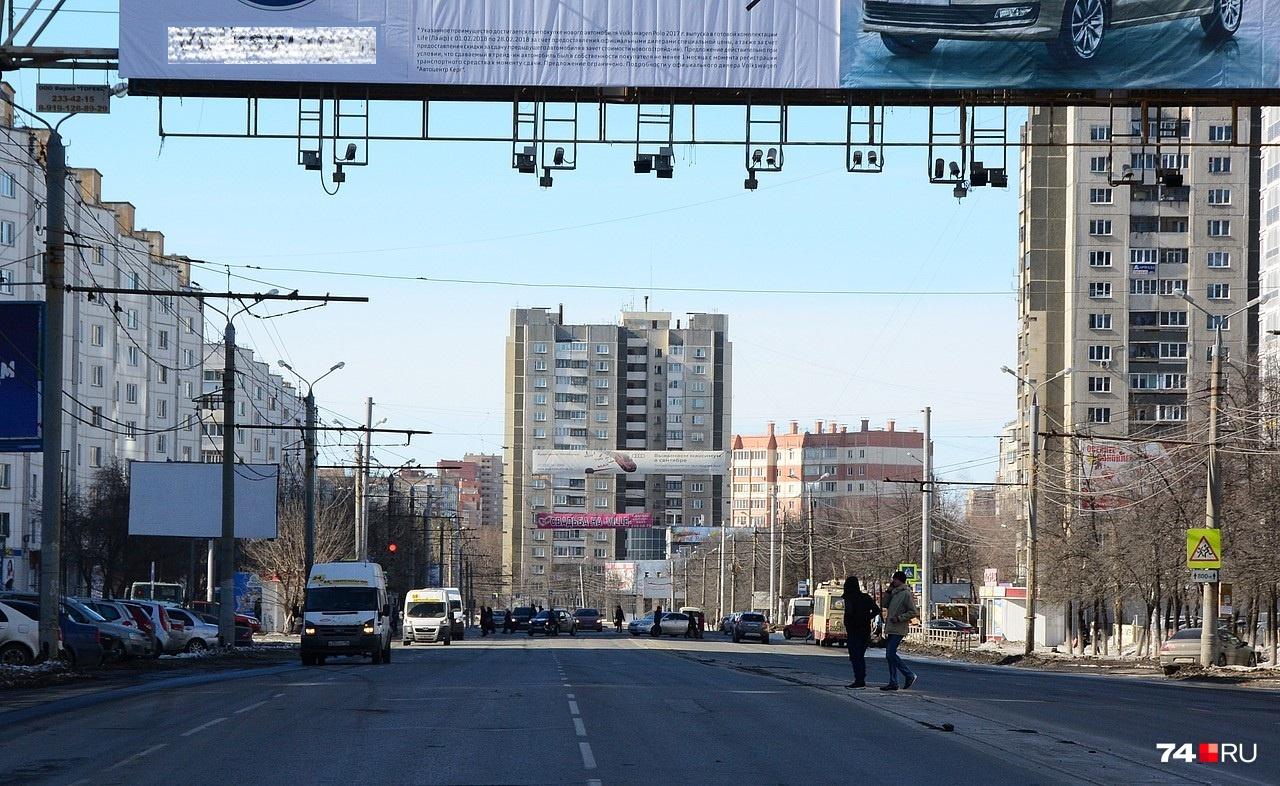 Эти камеры на Комсомольском проспекте принадлежат «Безопасному региону»