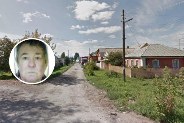Мужчина живет в микрорайоне Южном. Две недели назад он ушел за грибами и не вернулся