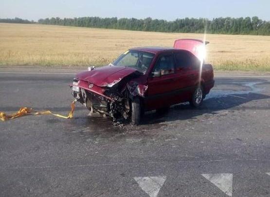 Новичок за рулем: на трассе под Самарой столкнулись два Volkswagen