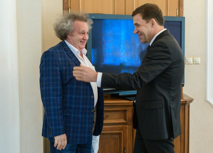 Директор «Ночи музыки» Евгений Горенбург и губернатор Евгений Куйвашев