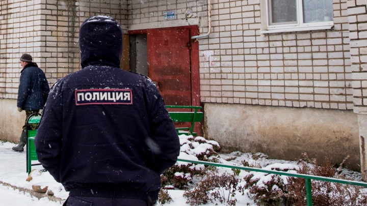 По Рыбинску разгуливал пьяный мужчина с ружьем