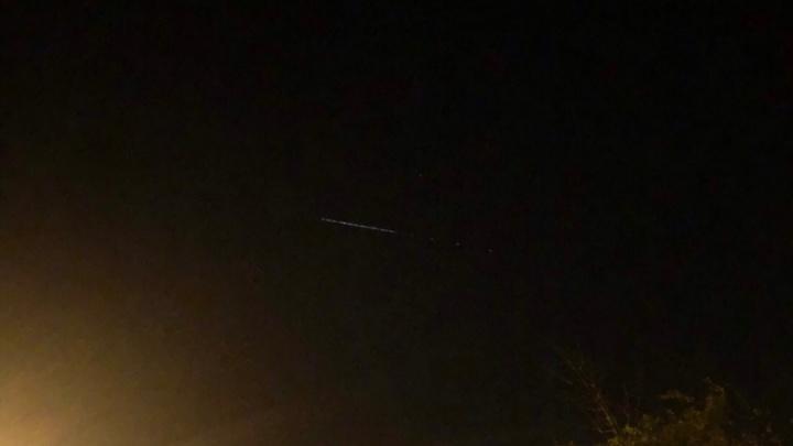 НЛО или комета? Самарцы сняли загадочный объект в ночном небе