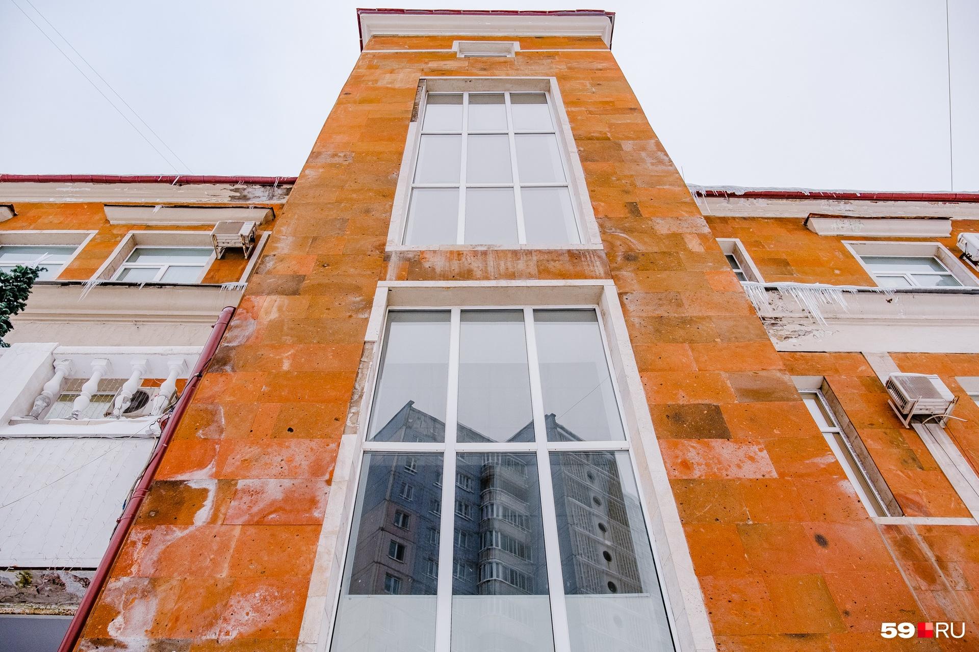 Центральная башня-вертикаль