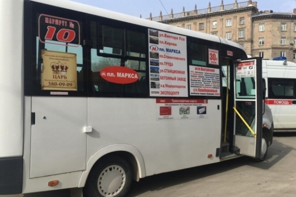 Маршрутка №10 — единственный транспорт, который ходит до конечной на Акатуйском