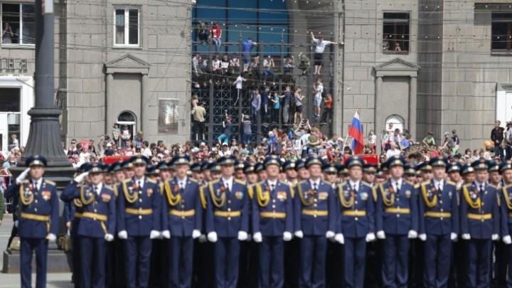 Власти Челябинской области ответили на возмущение депутата ценой формы для почётного караула