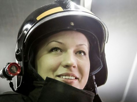 Петербурженка Анна Шпенова стала единственной женщиной-пожарным в России, хотя работать по этой профессии женщинам запрещено