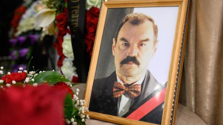 «Для кого-то был московским, питерским. Для всех был своим»: в Волгограде похоронили Петра Зайченко