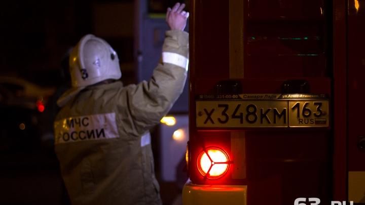 Ночью на улице Георгия Димитрова сгорели два торговых павильона