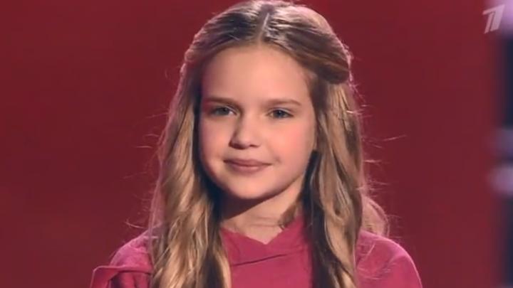 «Где таких детей делают?». 10-летняя Лиза из Новосибирска влюбила всех в себя на шоу «Голос. Дети»