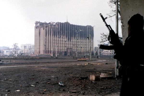 По данным Комитета солдатских матерей, потери составили не менее 14 тысяч человек убитыми («Википедия»)