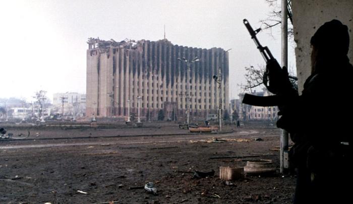 «В дом залетали снаряды, фигачили снайперы по окнам»: уфимский музыкант — о первой чеченской войне