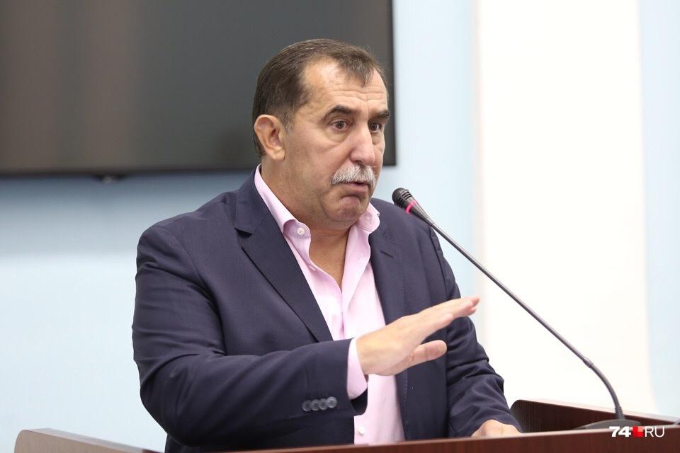 Гендиректор «Гринфлайта» Олег Лакницкий заверил, что продажа участков позволит завершить все проекты и рассчитаться с дольщиками