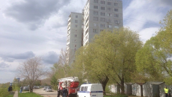 Появилось видео задержания преступников в квартире на Тухачевского