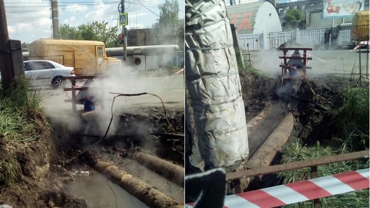 «Старый Кировск останется без горячей воды»: стало известно, почему не чинят трубу на Мельничной