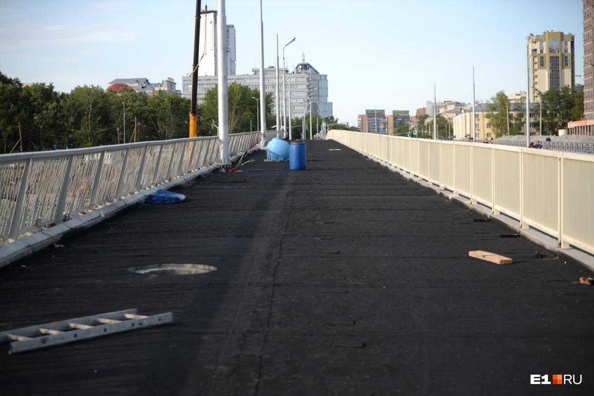 А это пешеходная дорожка. Её откроют только с 1 сентября