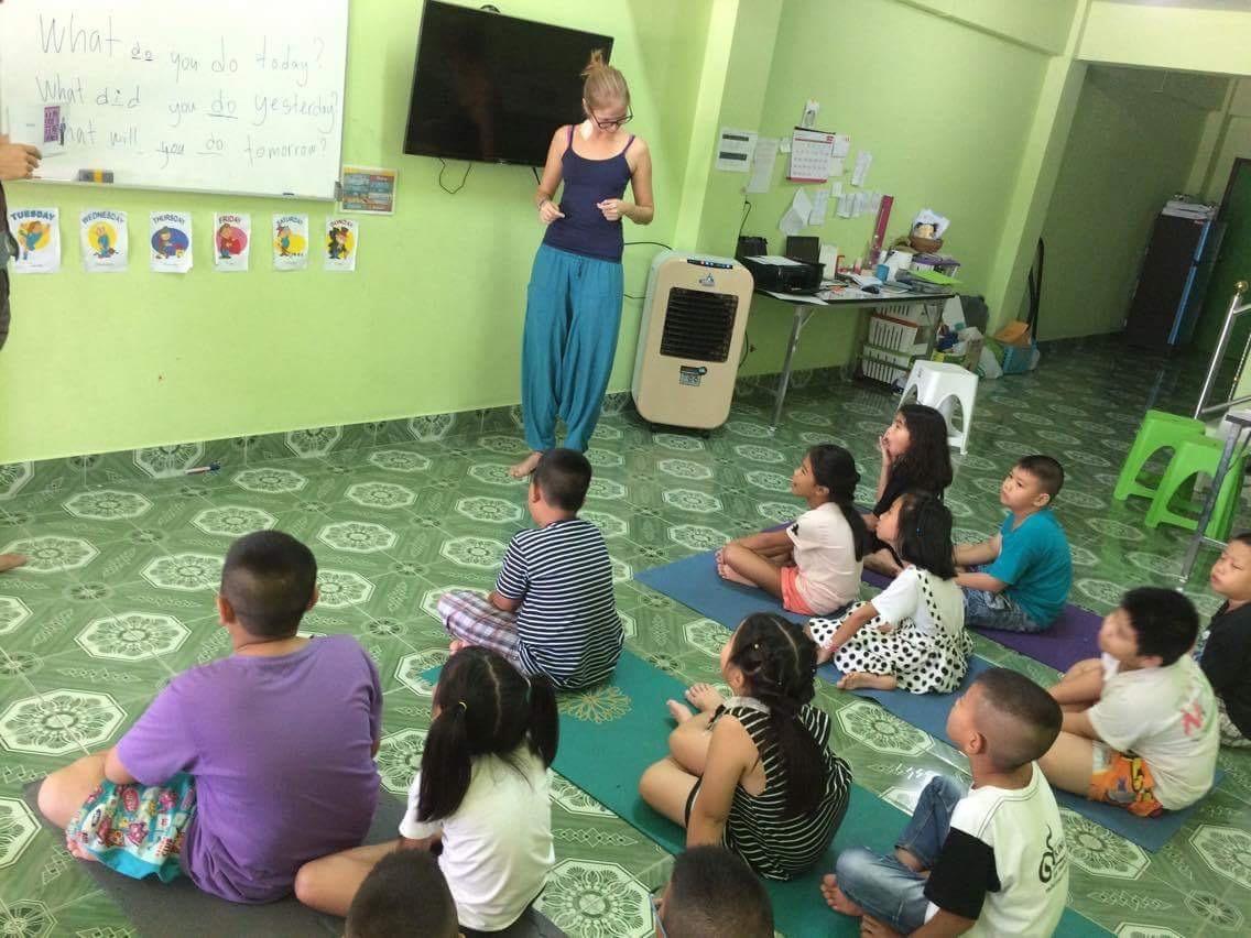 Занятия с детьми в Таиланде