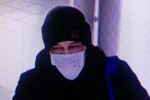 Подозреваемый в краже 5,9 килограмма золота засветился на видео