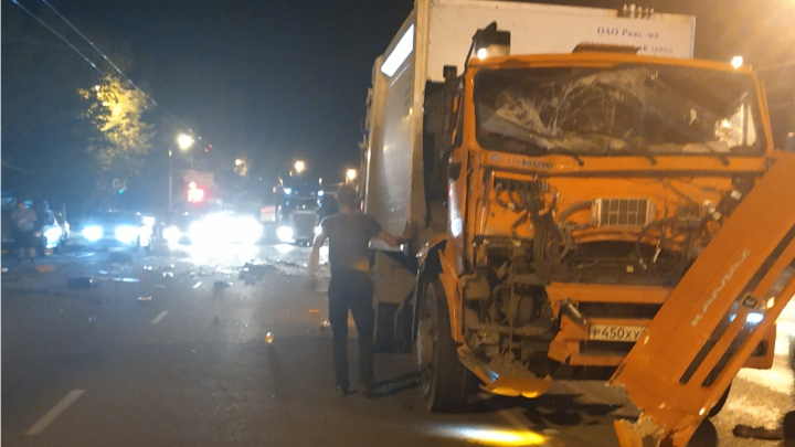 В Челябинске оштрафовали фирму, чей мусоровоз попал в смертельное ДТП с автобусом BlaBlaCar