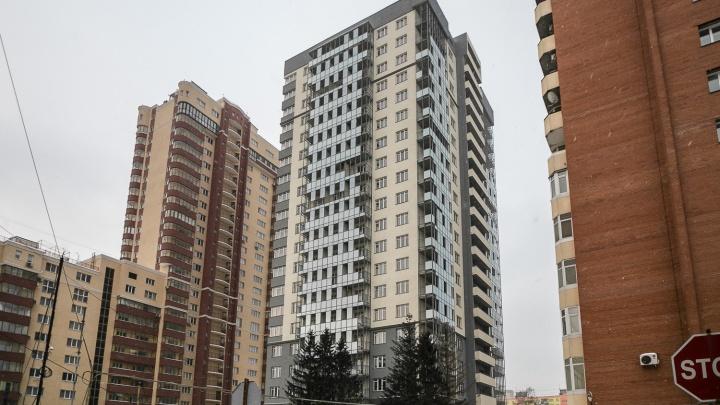 В ста метрах от метро «Маршала Покрышкина» достраивают дом комфорт-класса с панорамными видами