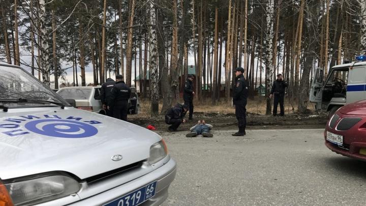 На Берёзовском тракте полиция устроила погоню за подозреваемыми в торговле наркотиками