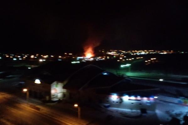 Пламя от горящего дома было видно далеко