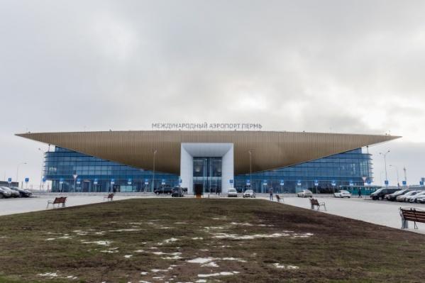 Из пермского аэропорта пассажира доставили прямиком в больницу
