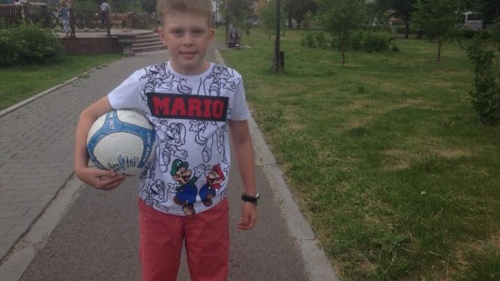 Отмеченный футболистами сборной России ребенок из Красноярска записал для них обращение