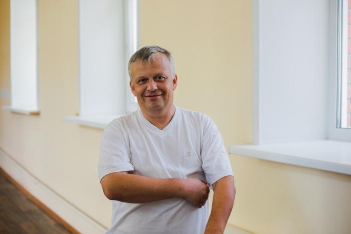 Максим Дубков заверил, что чувствует себя хорошо, — он получил глубокую рану всего три недели назад