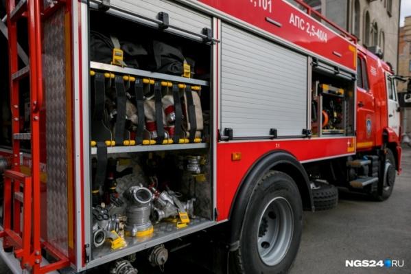 Пожар на площади 16 квадратных метров тушили 30 человек