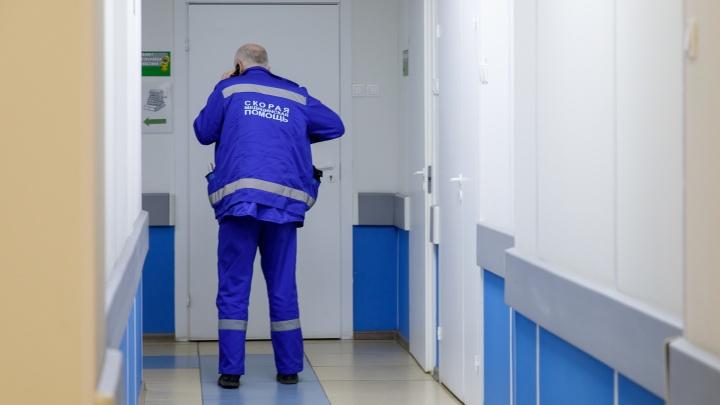 Под Волгоградом пожилой водитель умер за рулем легковушки