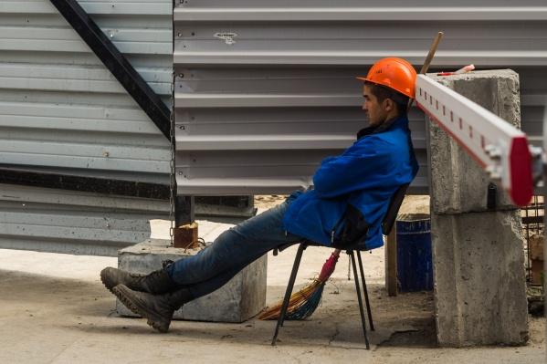 Эксперт сомневается, что все строители в скором времени будут чувствовать себя уверенно