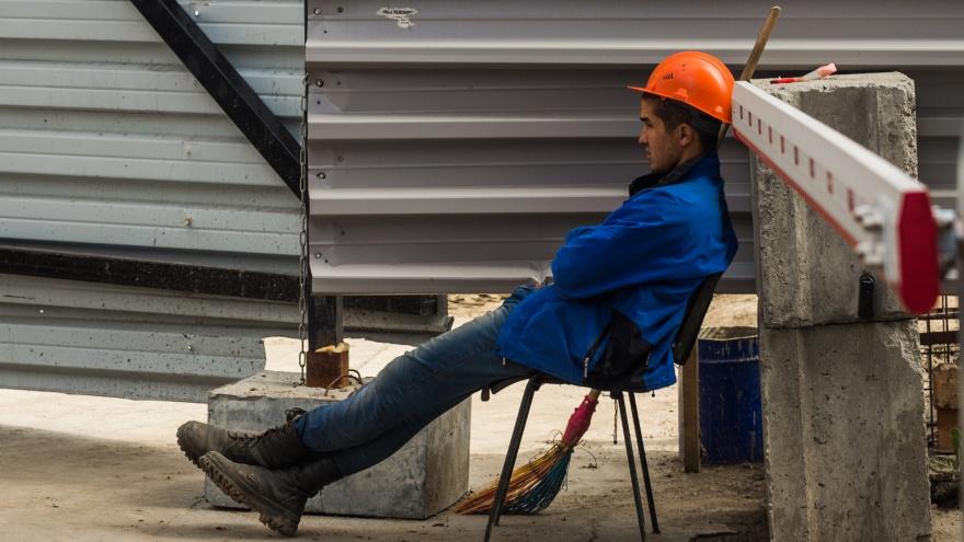 «Строителей ждут сложные времена»: Новосибирск может не выполнить заказ президента на новое жильё