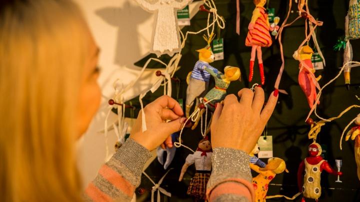 Художники начали разыскивать старые и милые ёлочные игрушки