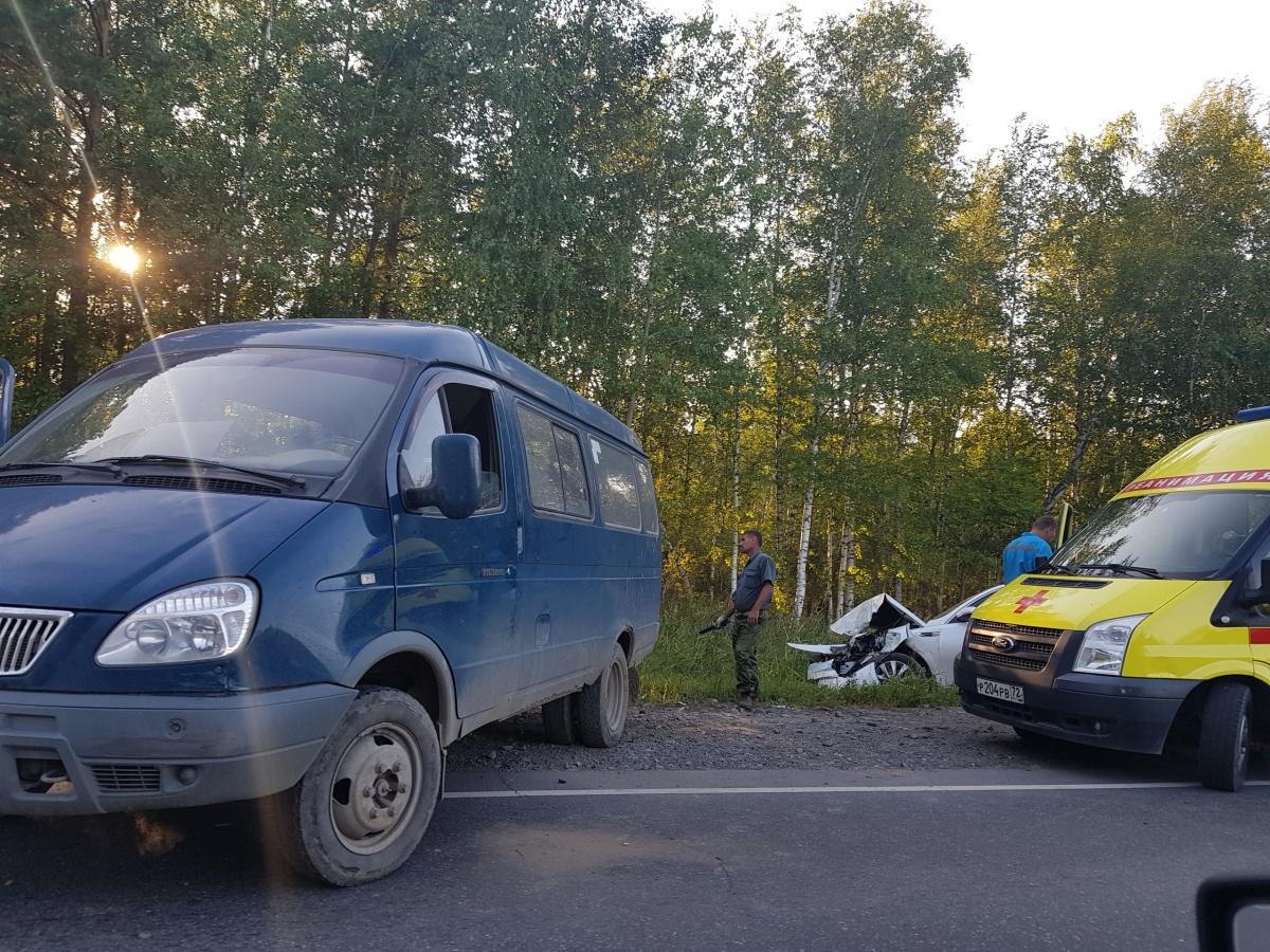 Массовая авария произошла в седьмом часу вечера в минувшее воскресенье