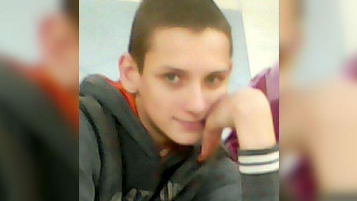 Ушел из школы и не вернулся. В Ярославле пропал 12-летний подросток со шрамом