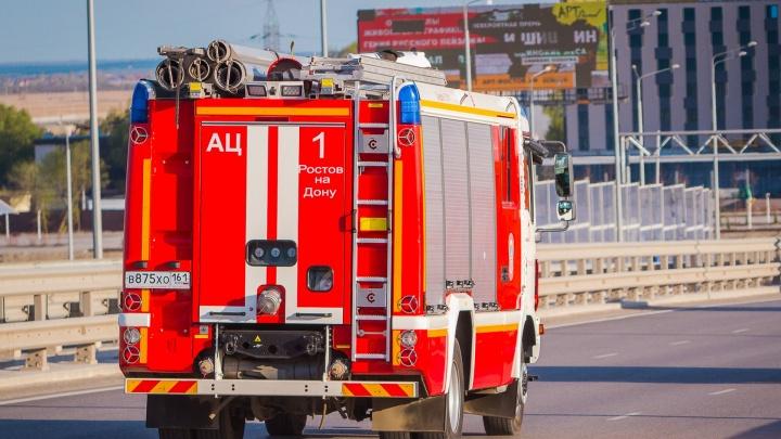 В Ростове водитель «Лады» врезался в забор и сбежал с места аварии