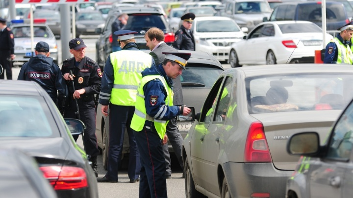 В Екатеринбурге под суд пойдут автоугонщики, которые учились похищать машины на автомобиле-тренажере
