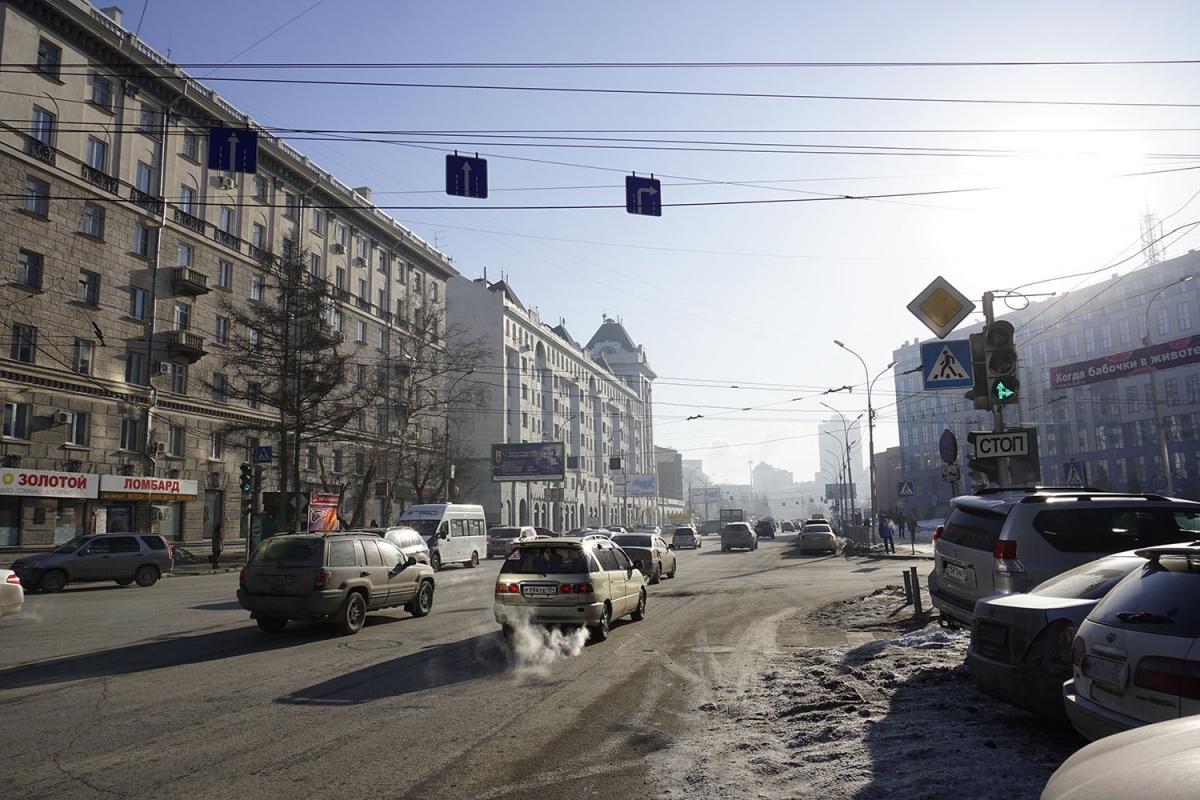 Знаки и сигналы светофора теперь разрешают водителям повернуть с Вокзальной магистрали на Советскую в сторону улицы Ленина