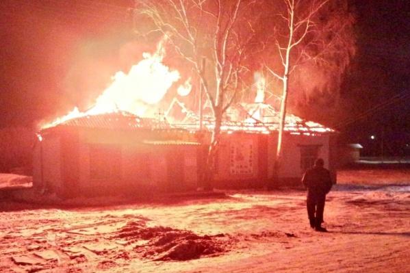 Из-за пожара в церкви провалилась крыша