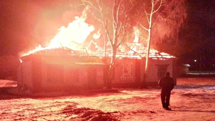Ночью в Самарской области сгорела церковь