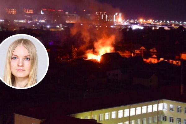 Официальная информация, что же на самом деле происходит в Тюмени, появилась только спустя три часа после начала контртеррористической операции. До этого люди обеспокоенно наблюдали за перемещениями спецслужб по городу, стрельбой и пожаром