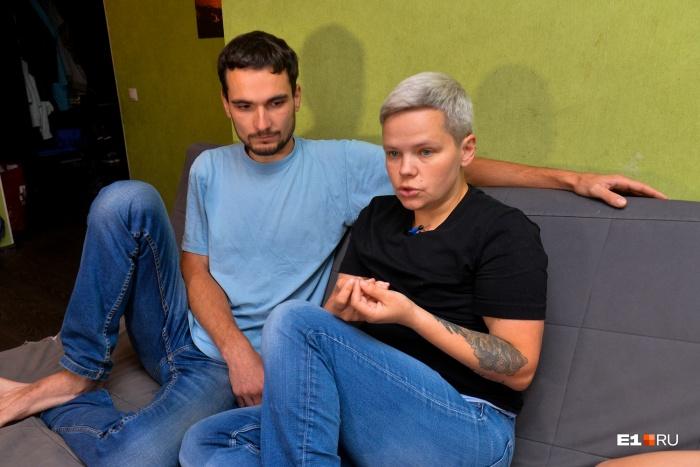 В суде решили, что раз Савиновских ведёт себя как мужчина, её брак с мужем однополый