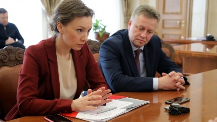 «Дети тихие, а вот родители в слезах»: омбудсмен Анна Кузнецова рассказала о проверках школ Зауралья