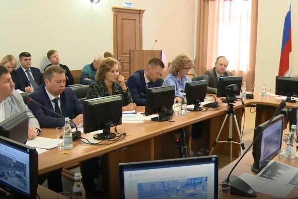 Чиновники на планерке обсудили ямочный ремонт дорог в Ярославле
