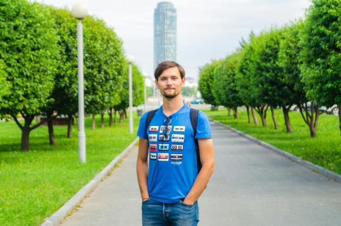 Владислав Белозеров рассказал, что проедет 15 тысяч километров на самокате ручной работы