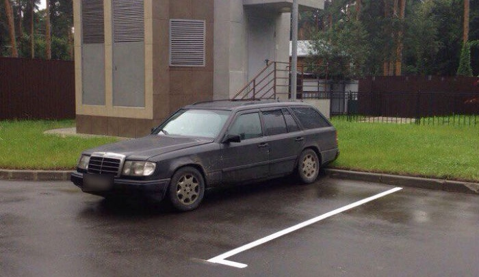 Уфимца за рулем «Мерседеса» с покойником в салоне оштрафовали за нарушение страховки