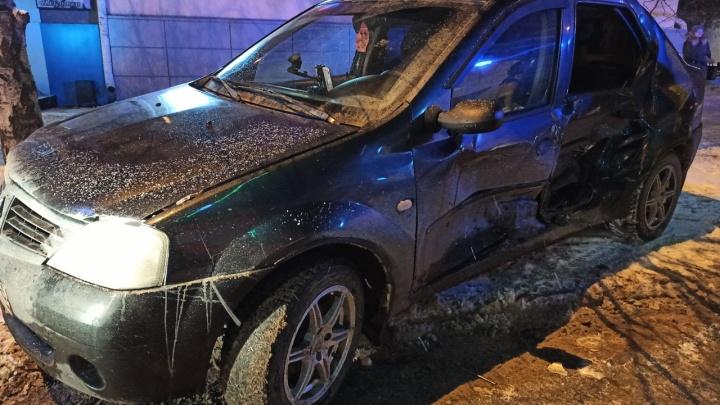 В Кургане при столкновении двух легковушек пострадал ребенок