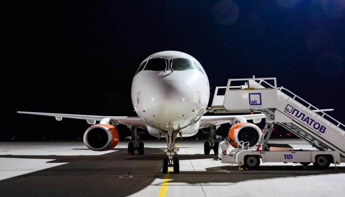 Самолет, летевший из Москвы в Сочи, совершил вынужденную посадку в Ростове-на-Дону