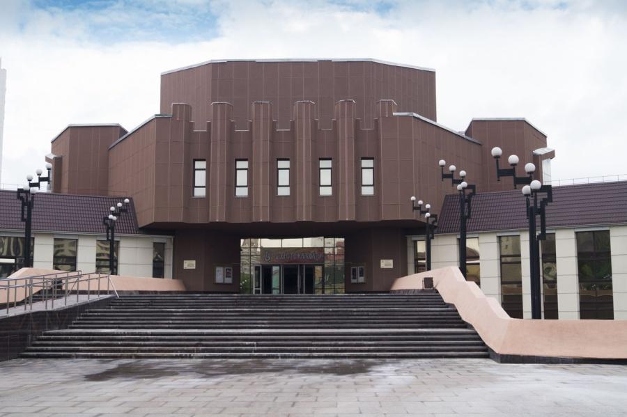 Родной университет Хворостовского будет просить присвоить ему имя певца